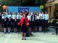 """На празничен абитуриентски концерт кани днес хор """"Звъника"""""""