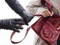 Апаш ограби 49-годишна на кръстовище в Плевен
