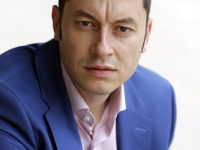 Депутатът Стефан Бурджев организира приемна в Искър днес