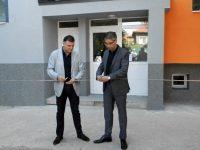 Областният управител преряза лентите на два санирани блока в Левски и в Кнежа