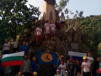 Деца от Русия и техни връстници от Плевен почистиха паметника на генерал Тотлебен