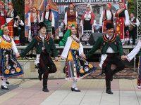 КАПАНСКИ АНСАМБЪЛ – Разград обявява конкурс за певици, танцьори, музиканти и диригенти на хор и оркестър