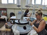 """""""ЯНА""""АД – Плевен търси да назначи шивачки на кетел машини – с опит, или начинаещи!"""