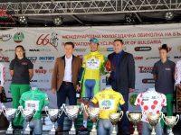Зам.-кметовете Стефан Милев и Иван Кюлджийски наградиха победителите във втория етап на колоездачната обиколка на България
