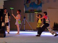 """Дуо """"Барбароните"""" гостува с мини цирков спектакъл днес в Червен бряг"""