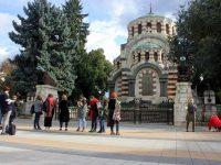 Млади руски художници рисуваха паметници на признателността в Плевен