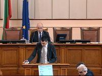 """За ефективността от оборудваните с камери автомобили на """"Пътна полиция"""" пита депутатът Стефан Бурджев"""