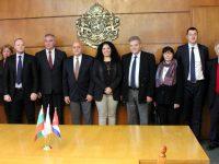 Посланикът на Куба се срещна с кмета Спартански