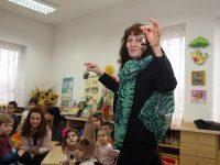"В ДГ ""Щурче"" родители и деца майсториха кукерски маски – фото-галерия"