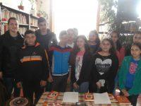 """Урок на тема """"В света на поезията"""" се проведе в Читалището в Асеновци"""
