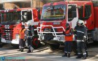 Пожарникарите отстраниха опасни дървета в Плевен, извадиха шофьор от катастрофирал камион