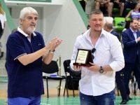 Александър Дяковски с награда за най-етичен треньор