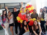 """С концерт """"Езикова гимназия и приятели"""" ПГПЧЕ – Плевен отбелязва днес празника си"""