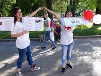 Млади червенокръстци проведоха информационна акция из Плевен