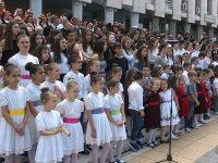 """11 хорови формации изпълниха """"Върви, народе възродени"""" в Плевен /снимки и видео/"""