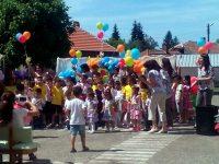 Община Червен бряг зарадва с подаръци децата за техния празник