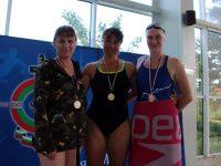 Плевенска полицайка с два медала от Републиканското първенство по плуване на МВР