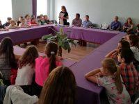 """Ученици от НУ """"Христо Ботев"""" – Плевен се срещнаха с представител на ЕК"""