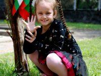 """Малчуганите от ДГ """"Надежда"""" – Плевен участват в играта """"Засаждаме бъдеще!"""""""
