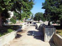Почистват Водната каскада в Плевен
