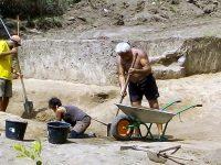 Археолози от РИМ – Плевен участват в проучванията на раннонеолитното селище Копривец