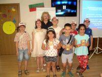 На пътната безопасност бе посветено едно от заниманията от Детския летен университет в Библиотеката в Плевен
