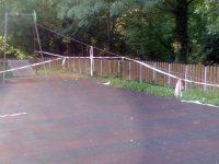 """Разруха на една от детските площадки в парк """"Кайлъка"""" /снимки/"""