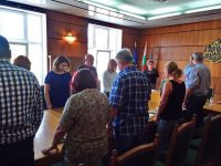 Ръководството на Община Плевен почете паметта на жертвите от катастрофата край Своге