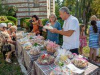 """В Пордим се проведе благотворителен базар за набиране на средства за храм """"Свети Димитър"""""""