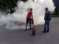 Обучиха служителите на РИМ-Плевен как да действат при пожар и да работят с пожарогасители