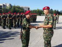 """Връчиха удостоверения за завършване курс """"Начална военна подготовка"""" на новоназначени войници"""
