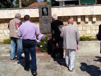 Паметник на Тано Цолов откриха днес в Чомаковци