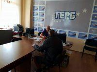 Граждани потърсиха съдействието на депутата от ГЕРБ Владислав Николов по проблеми, свързани с поддържането на градската среда в Плевен