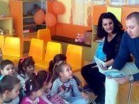 """Родители четоха приказки на малчуганите от ДГ """"Калина"""" – Плевен"""
