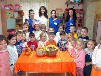 Ученици на ПГРТО-Плевен и малчугани готвиха заедно и учиха за здравословното хранене