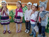 """""""Вълкът и седемте козлета"""" представиха малчуганите от ДГ """"Снежанка"""""""