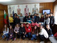 """Ученици от СУ """"Стоян Заимов"""" – Плевен участваха в обучение за оказване на долекарска помощ при инциденти"""