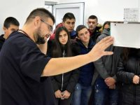 """Ученици от Ловеч гостуваха във Ветеринарна клиника """"ИДА-ВЕТ"""" –  Плевен"""