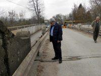 Направиха оглед на авариралия мост в Червен бряг и предприетите до момента мерки