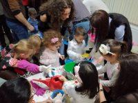 """Деца, родители и учители от ДГ """"Щастливо детство"""" – Плевен заедно в кампанията """"Засаждаме бъдеще"""""""