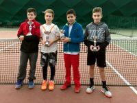 Иван Монов триумфира на двойки на Държавното лично първенство на закрито