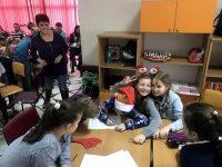 """В мисия за спасяването на Дядо Коледа се включиха ученици от НУИ """"Панайот Пипков"""" – Плевен"""