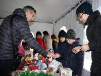 Пъстър Коледен базар подредиха в Кнежа