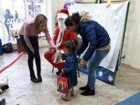 Дядо Коледа зарадва децата в Центъра за ранна интервенция на уврежданията – Долни Дъбник
