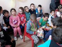 Започва акция за набиране на дрехи и обувки за деца от село Дисевица