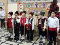 """Коледен базар наредиха в ОУ """"Лазар Станев"""", отличиха първенците в празнични конкурси"""