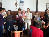 На Бабинден читалището в Малчика събра бебетата от селото, родени през 2018-а
