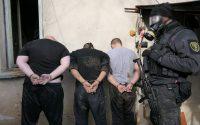 Вижте кадри от операцията по залавяне на наркопласьори в Плевенско (снимки + видео)