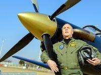 Майор от базата в Долна Митрополия завърши летателната си дейност със 7777 самостоятелни кацания