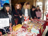 """Изложба-базар """"Мартеницата – заедно да съхраним традицията"""" отвори врати в МУ – Плевен"""